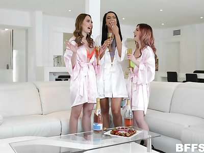 Kara Lee and her slutty friends share a cumshot in a foursome