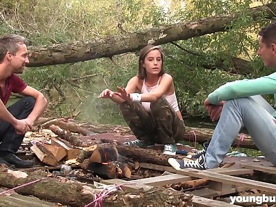 Freckled teen Anabelle swallows cum in an outdoor MMF threesome