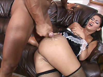 Brunette Latina pornstar Defrancesca Gallardo gets cum on her ass