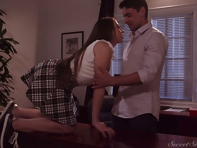 Having seduced dude Gia Derza desires down suck his tidbit flannel