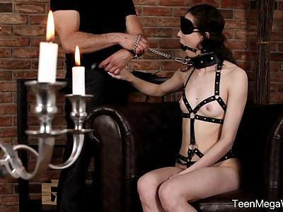 Obedient teen with snug tits, smashing nude BDSM superior to before cam