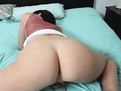 Stepsister gets horny benefit of cock